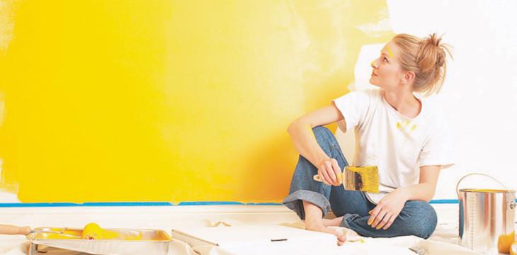 Как покрасить обычные обои не под покраску