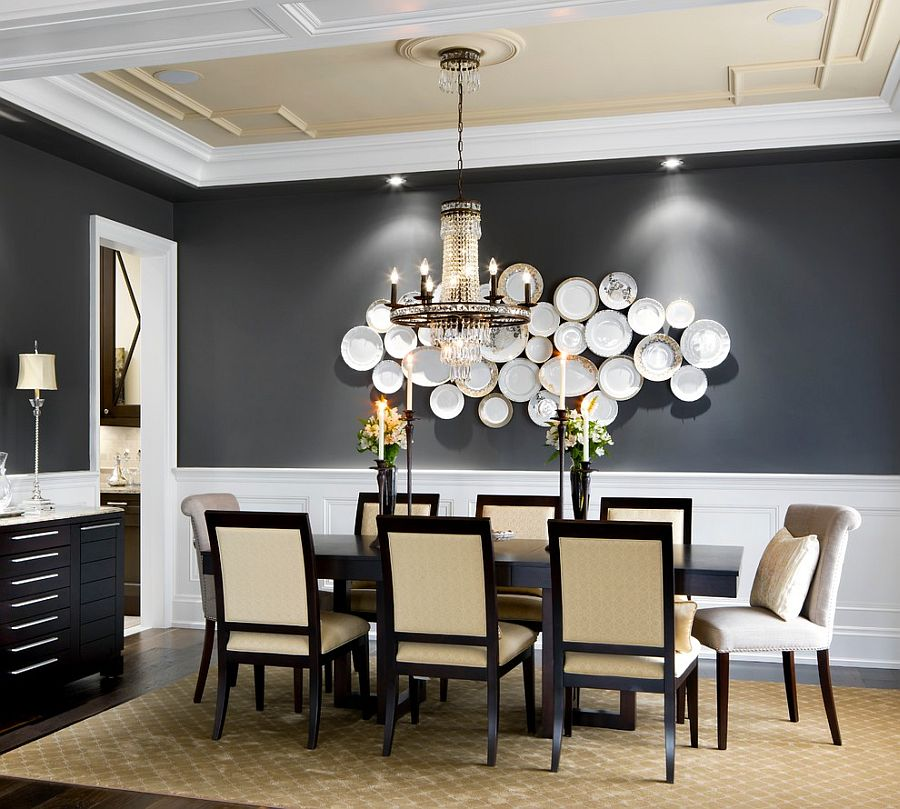 Accent walls in dining room