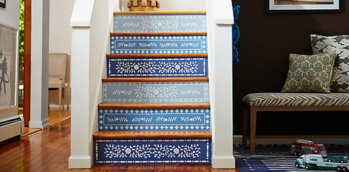 Как украсить подступени лестницы своими руками